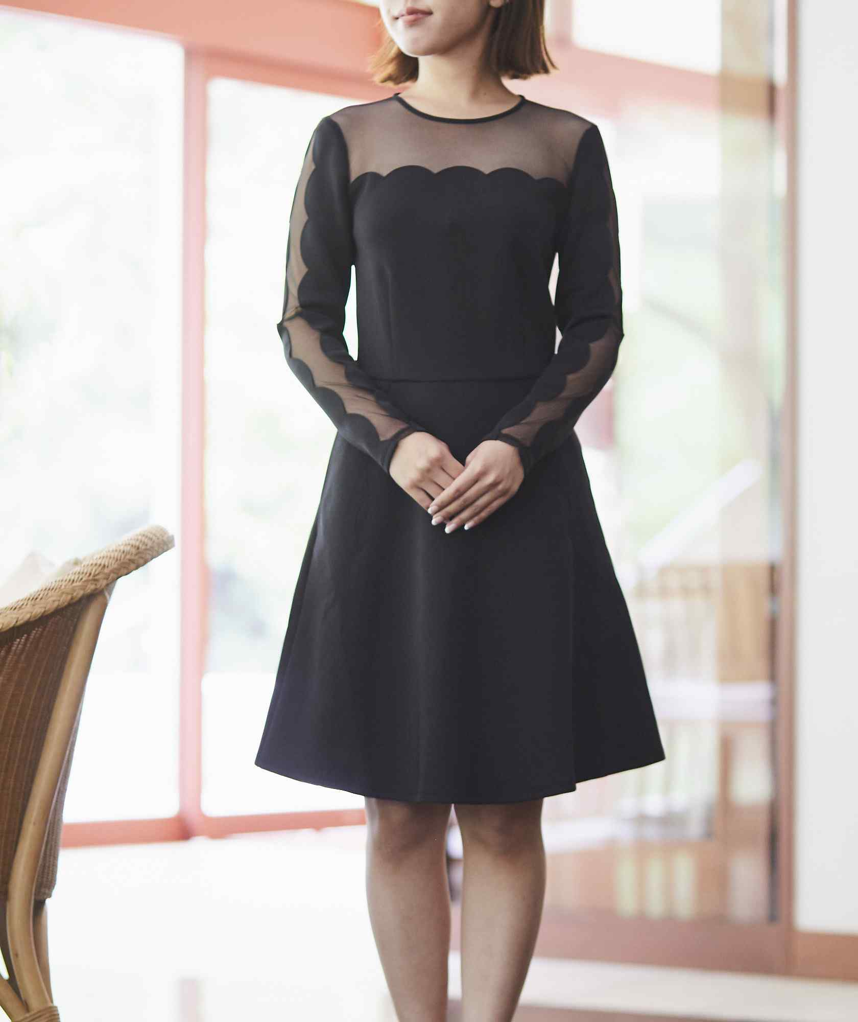 ラウンドデザインショートドレス―ブラック-ブラック-M