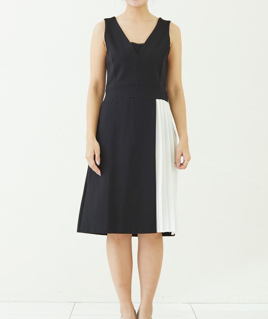 プリーツスリットVネックショートドレス-ブラック-S