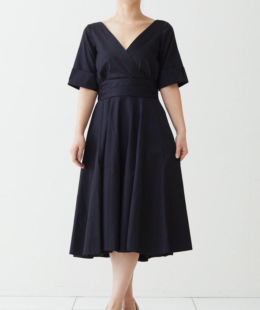 ロールスリーブAラインミディアムドレス-ブラック-M