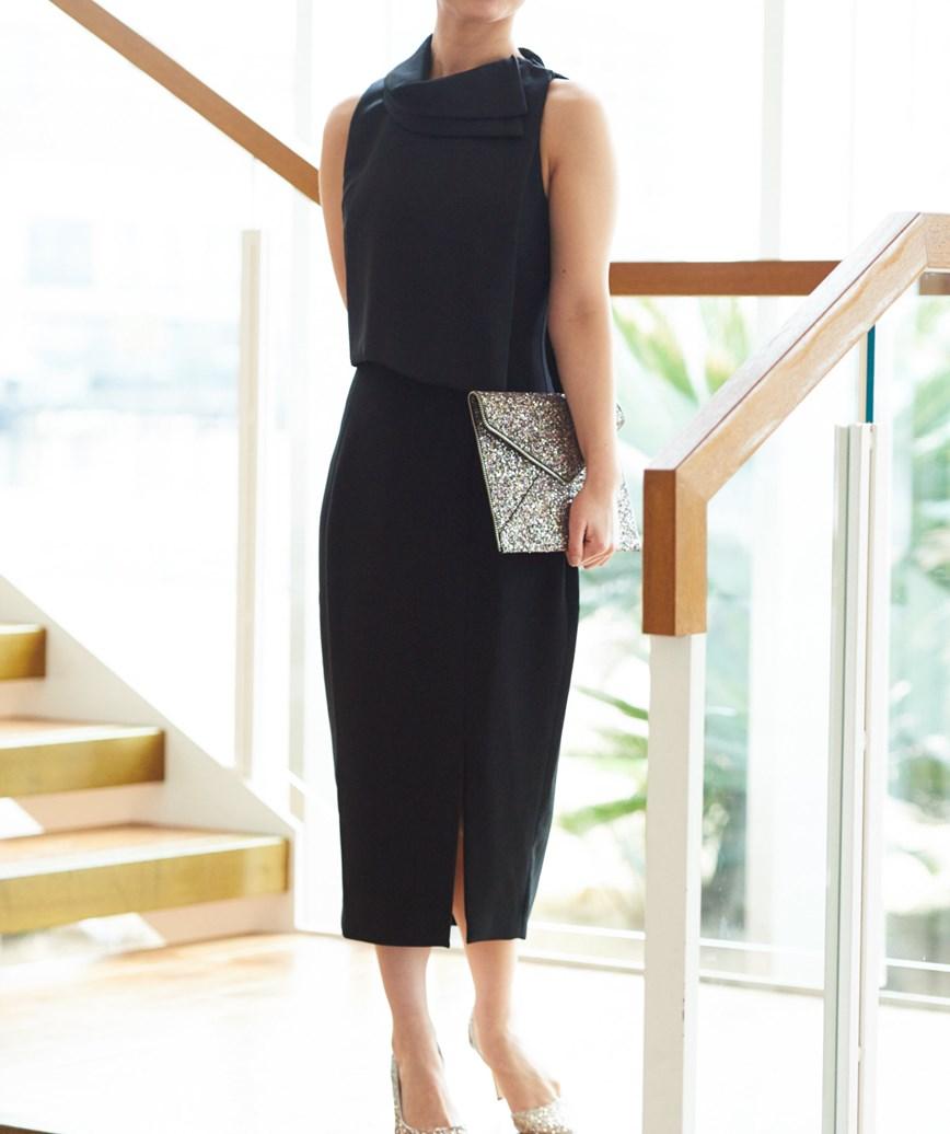 ネックモチーフスリットミディアムドレス―ブラック-M-L