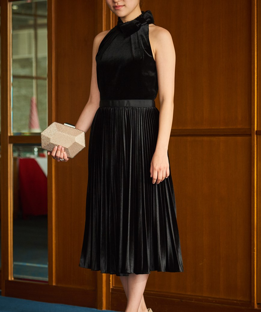 アメリカンスリーブベルベットミディアムドレス―ブラック-M-L