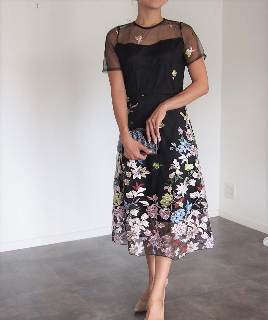ダウンフラワーエンブロイダリーショートスリーブミディアムドレス-ブラック-L