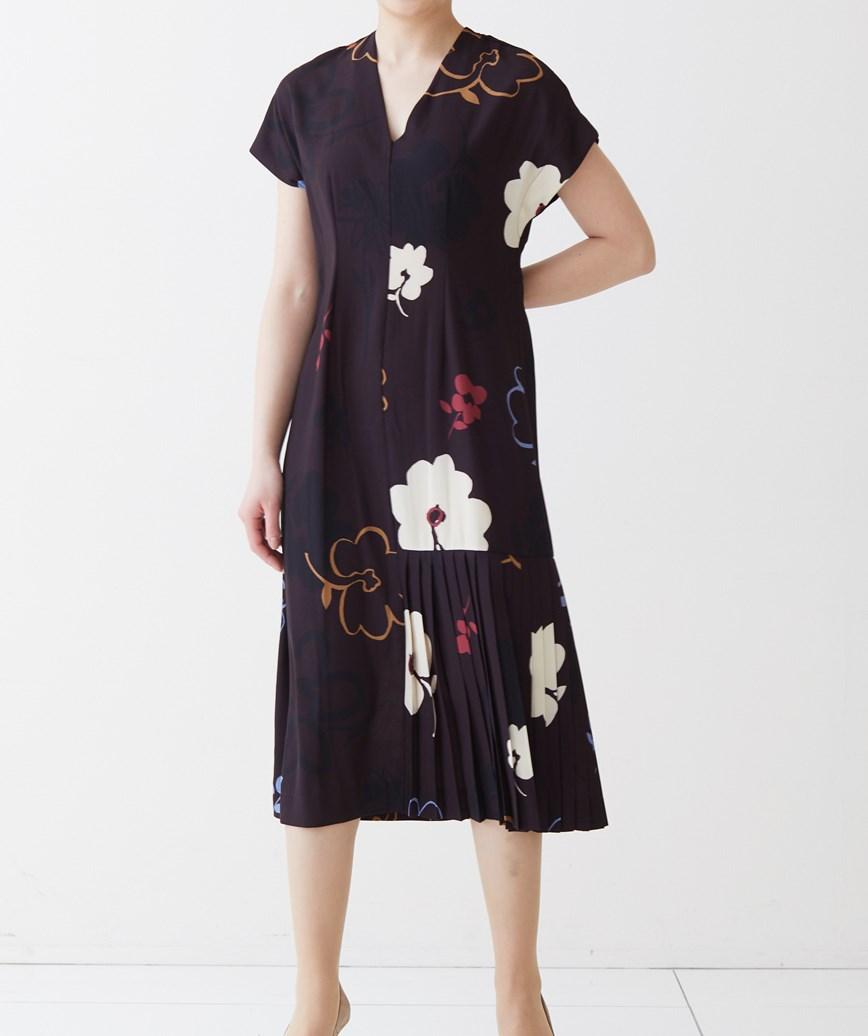 パートプリーツフラワープリントミディアムドレス―パープル-S-M
