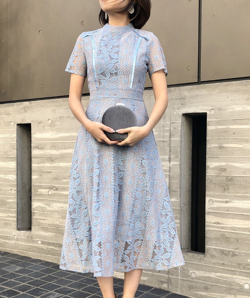 ハイネックデザインショートスリーブレースミディアムドレス-ブルー-L