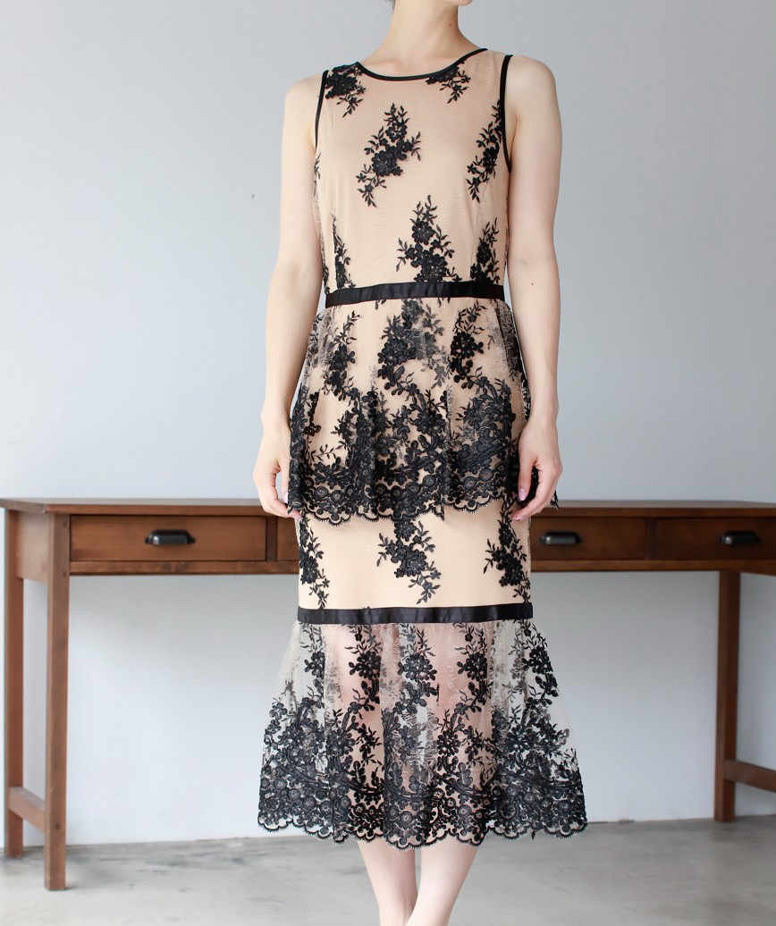 ダブルペプラムマーメイドレースミディアムドレス-ベージュ-M