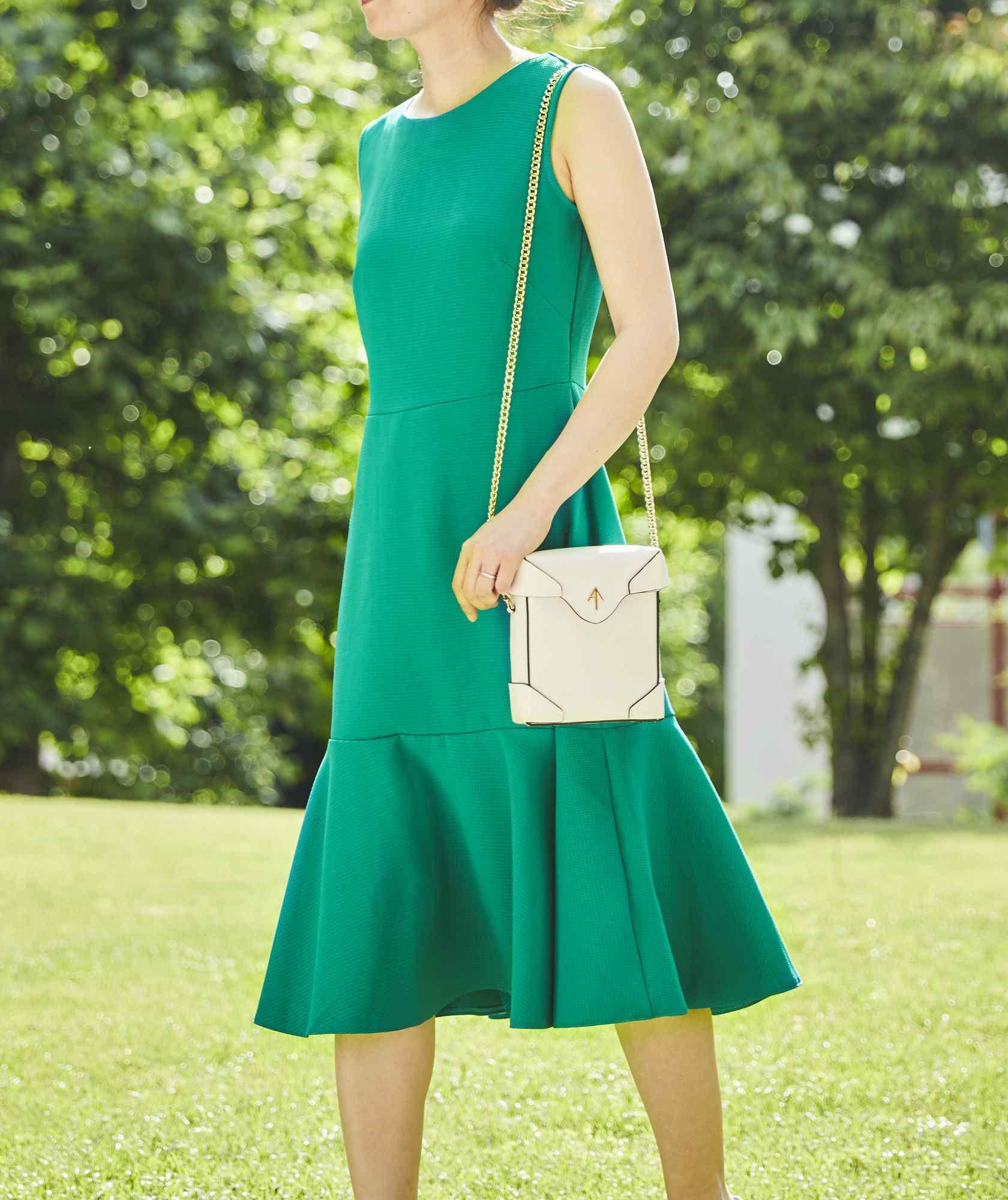 マーメイドラインVバックミディアムドレス-グリーン-S-M