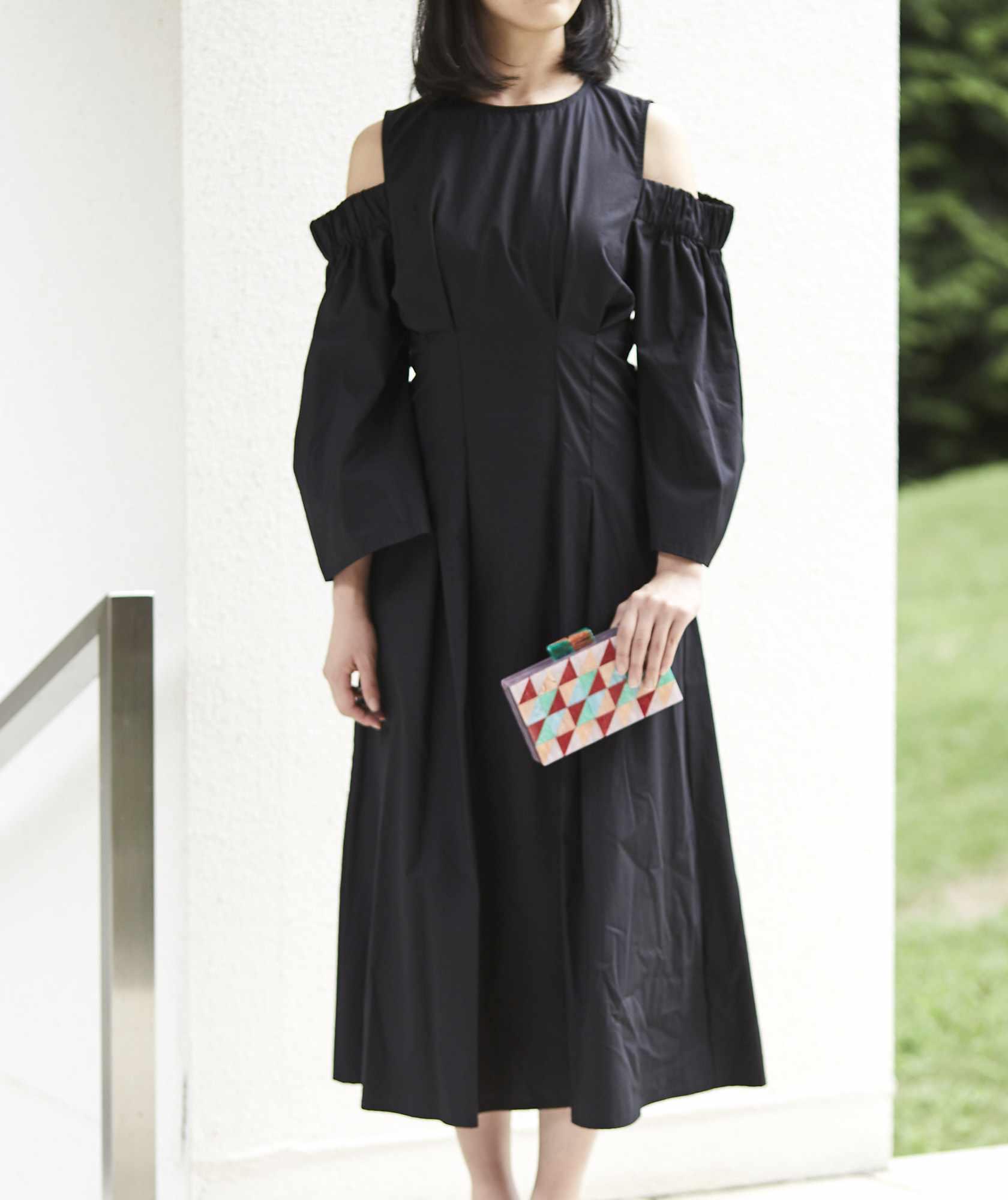 オープンショルダーコットンミディアムドレス-ブラック-M-L