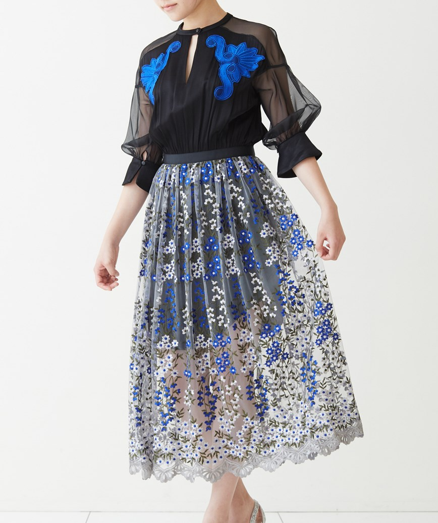 フラワーエンブロイダリーフルスリーブミディアムドレス―ブラック-M
