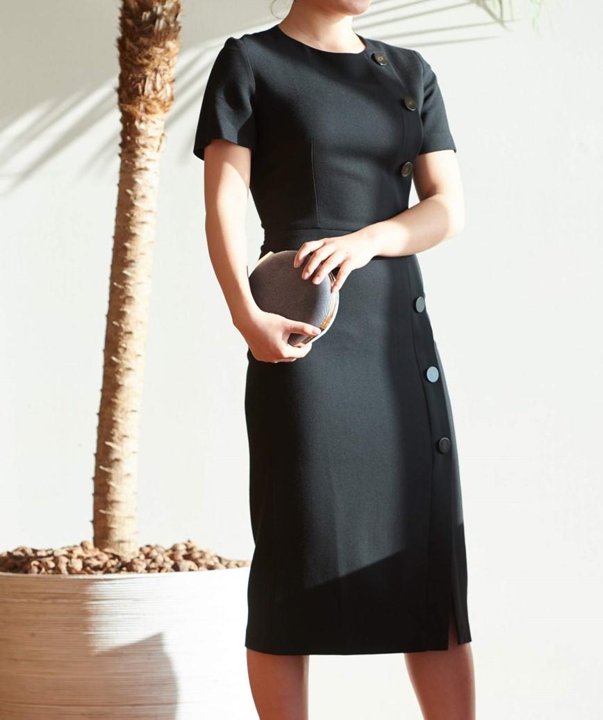 ショートスリーブフロントボタンミディアムドレス―ブラック-M