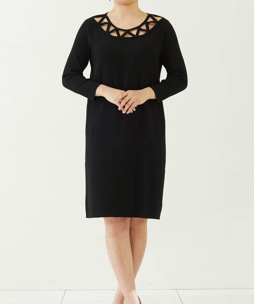 ネックカットアウトニットショートドレス―ブラック