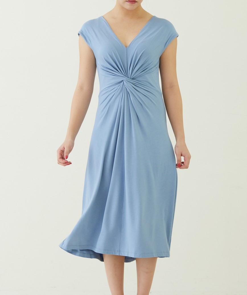 ツイストフロントVネックミディアムドレス―ダスティーーブルー