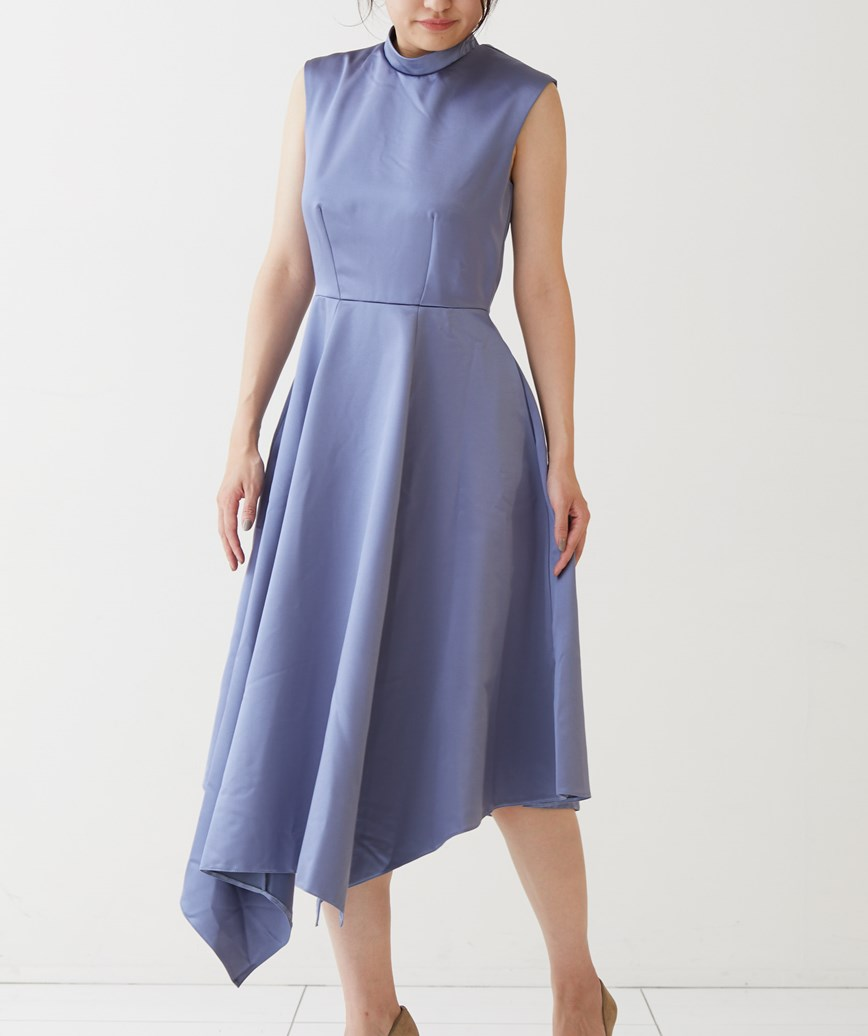 シャイニーハイネックオープンバックミディアムドレス-ブルー-M