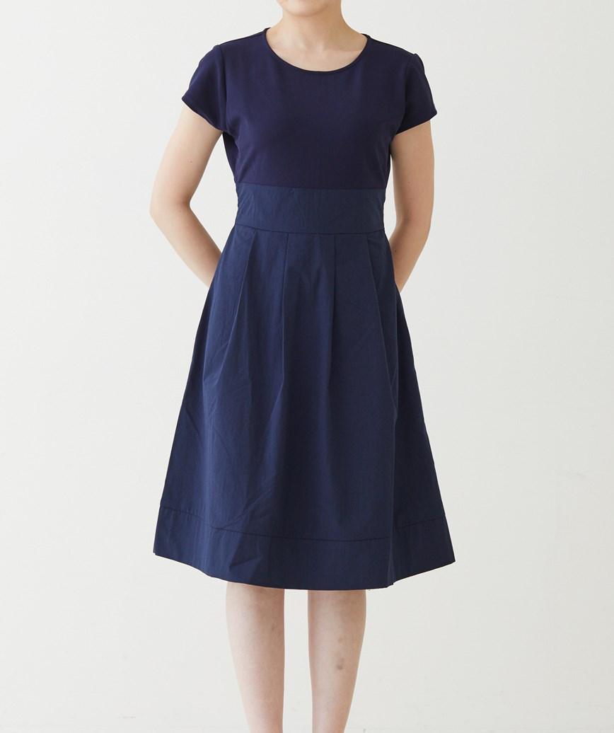 ショートスリーブフレアミディアムドレス-ネイビー-M-L