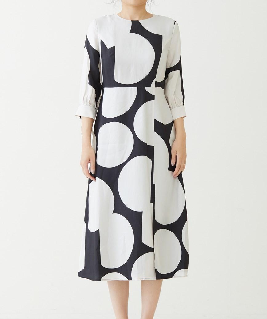 ドットプリントキュプラミディアムドレス-ホワイト×ブラック-M-L