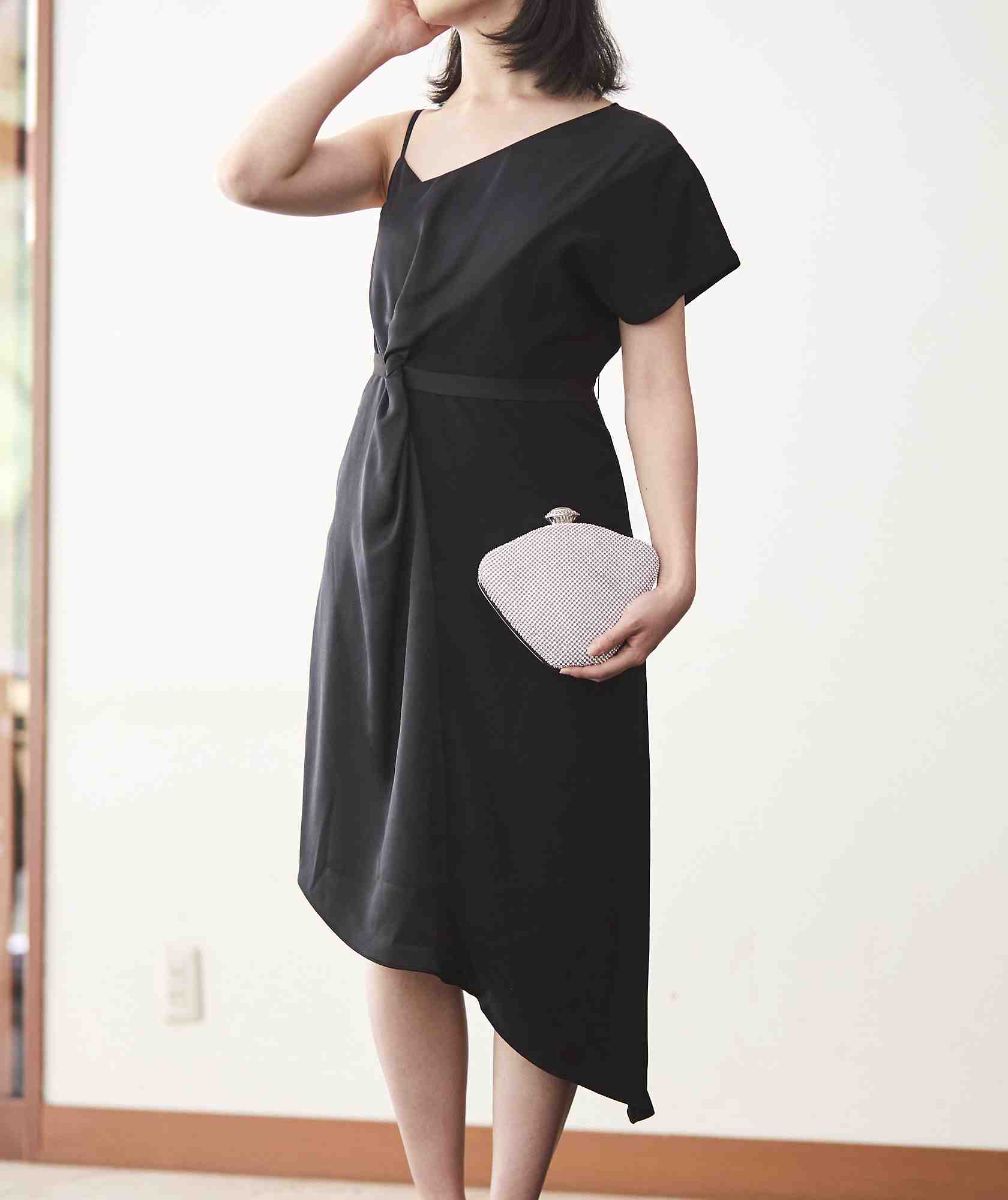 ブラックリストアシンメトリーミディアムドレス-ブラック-XS