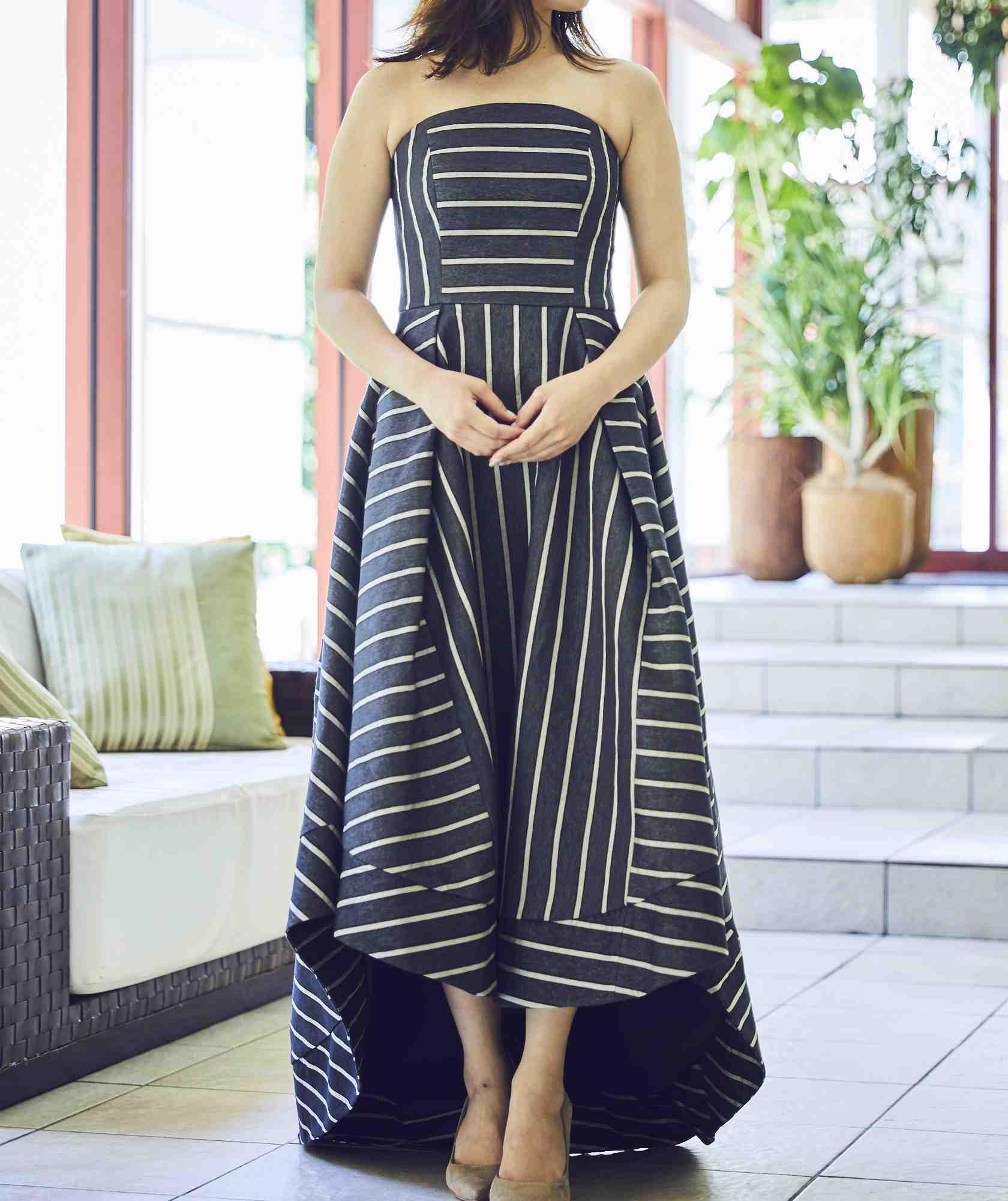 ボリュームラインカラーベアロングテールミディアムドレス-ブラック-M