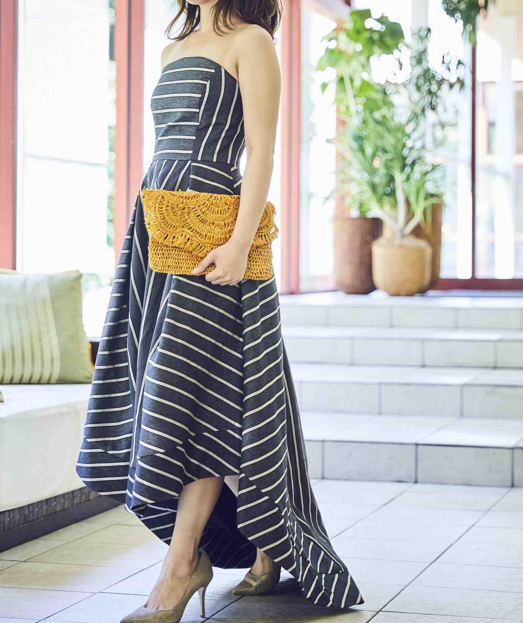 ボリュームラインカラーベアロングテールミディアムドレス-ブラック-XS