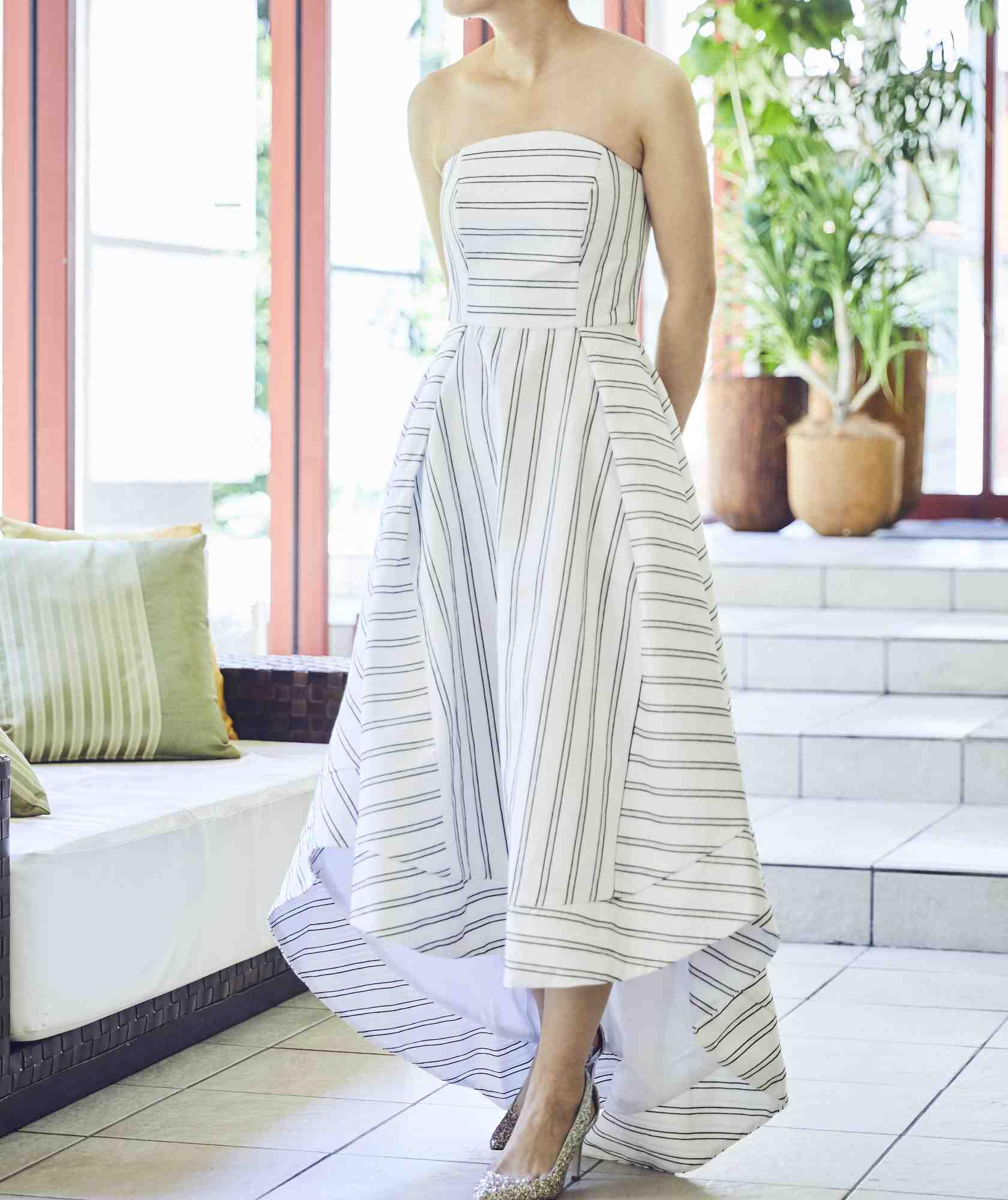 ボリュームラインカラーベアロングテールミディアムドレス-ホワイト-M