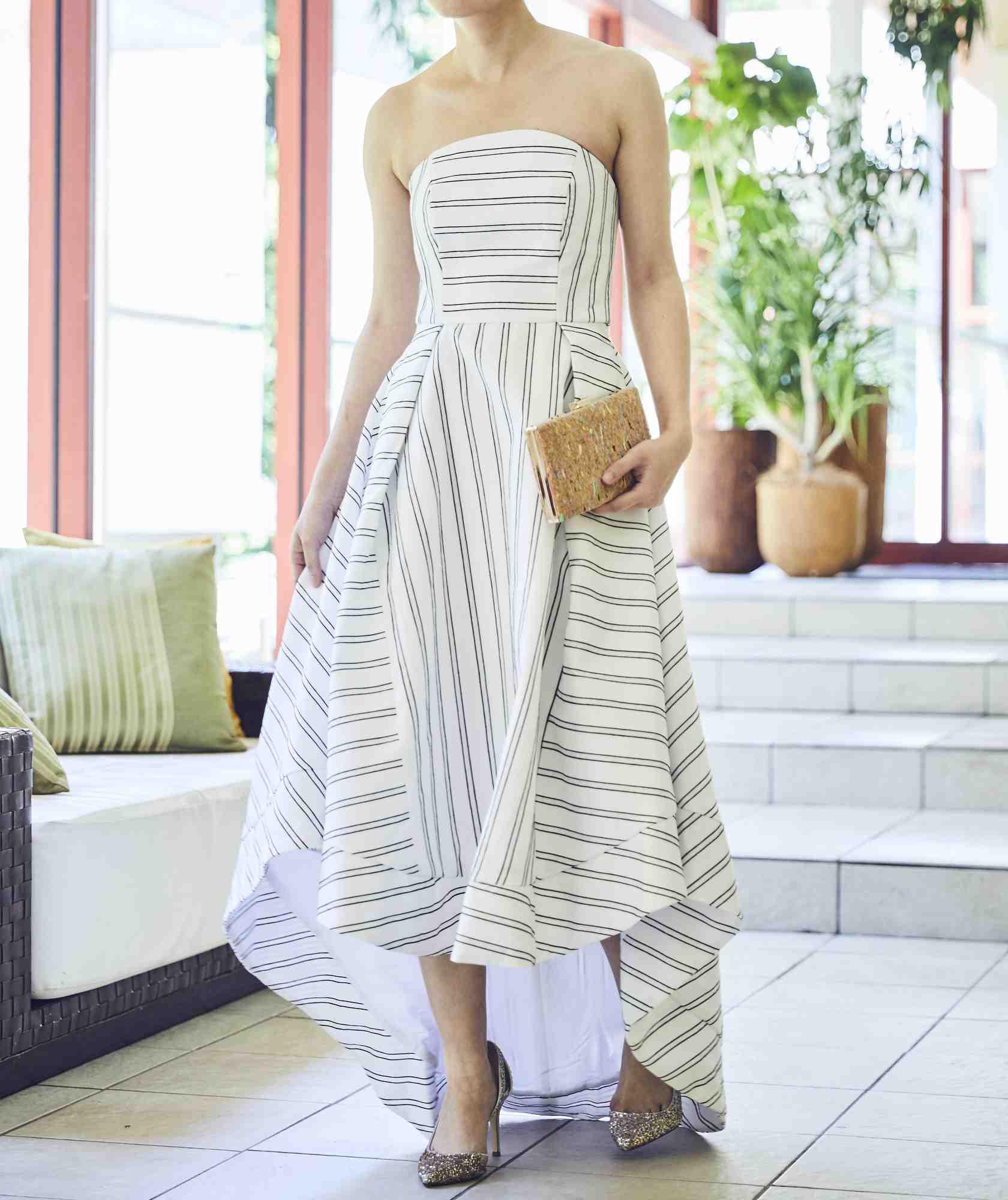 ボリュームラインカラーベアロングテールミディアムドレス-ホワイト-XS
