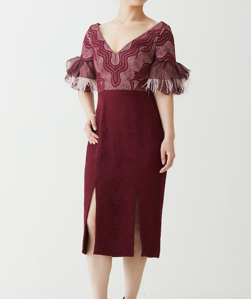 フェザースリーブVネックミディアムドレス―ボルドー-XS