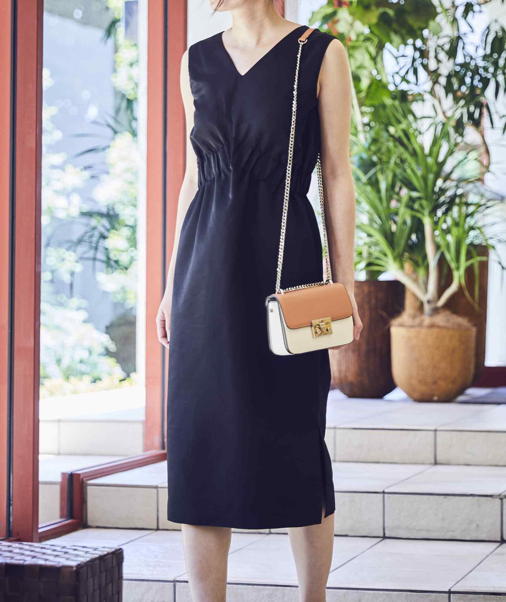 VネックシャーリングOGタイトミディアムドレス-ブラック-S