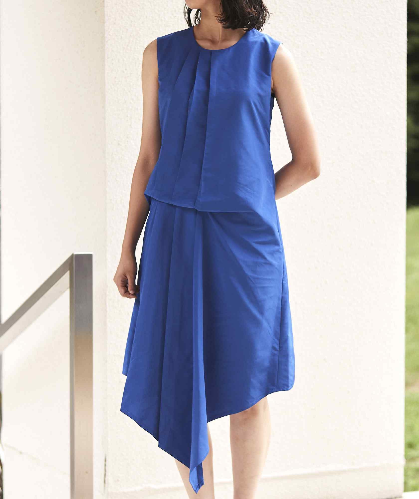 クルーネックデザイントップOGAラインミディアムドレス-ブルー-S