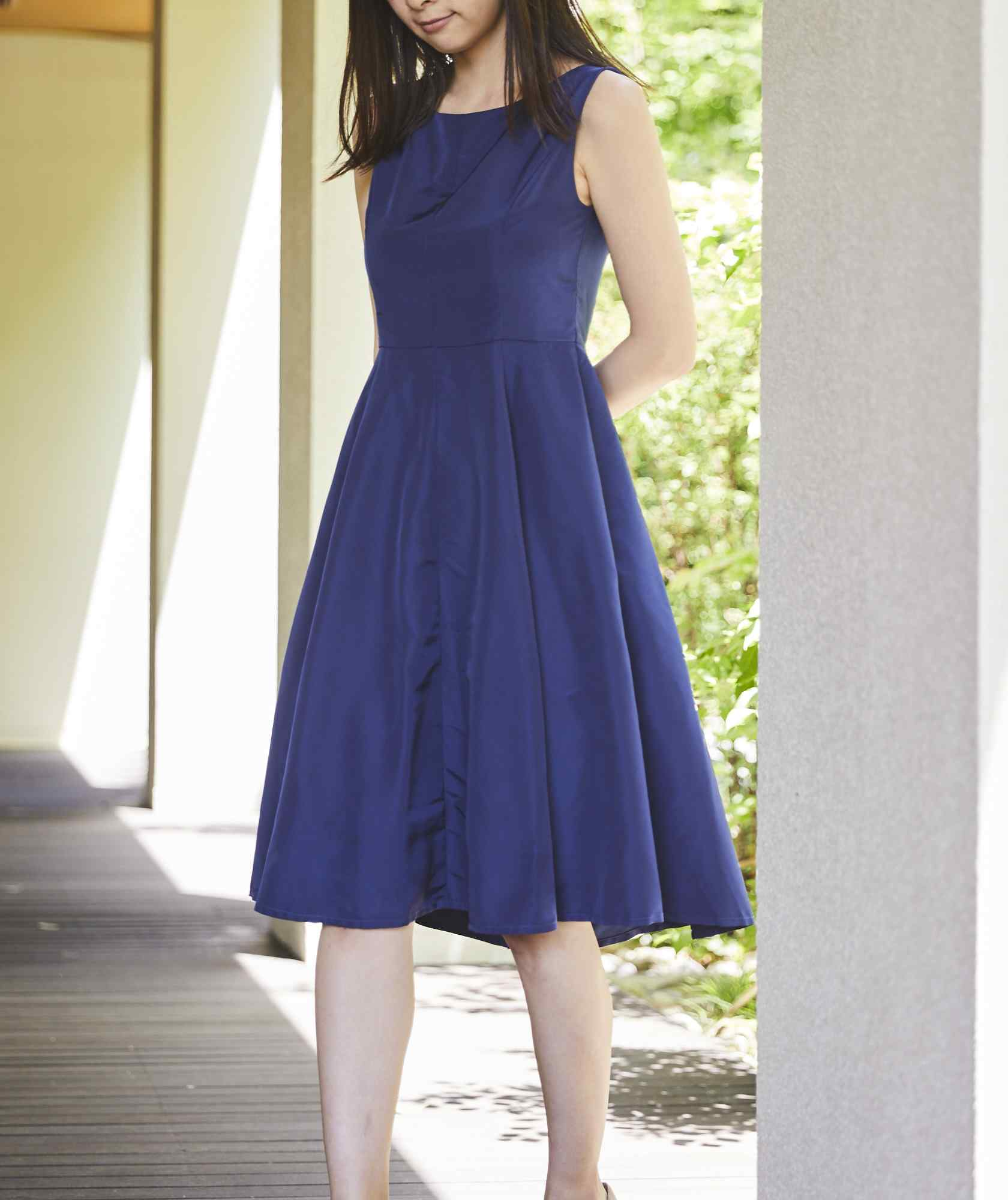 クルーVバックOGAラインミディアムドレス-ブルー-S