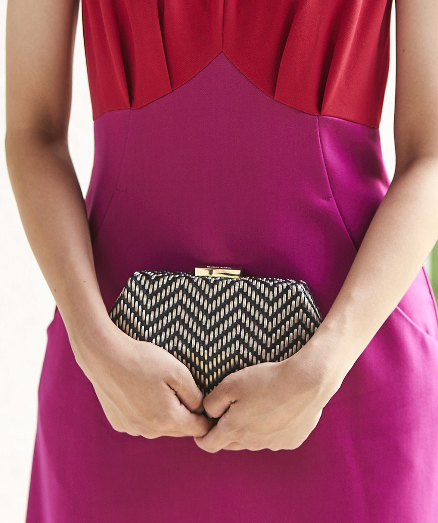 Hexagon Mesh Clutch bag