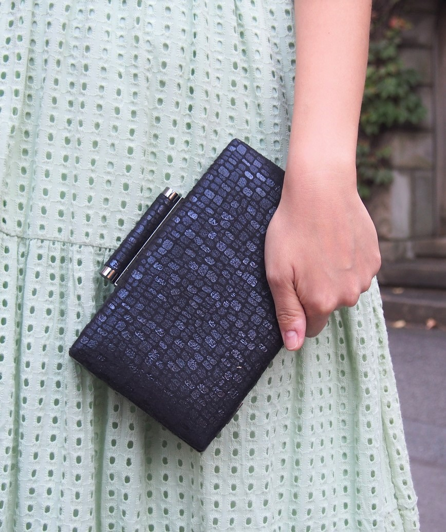 Crocodile pattern clutch bag