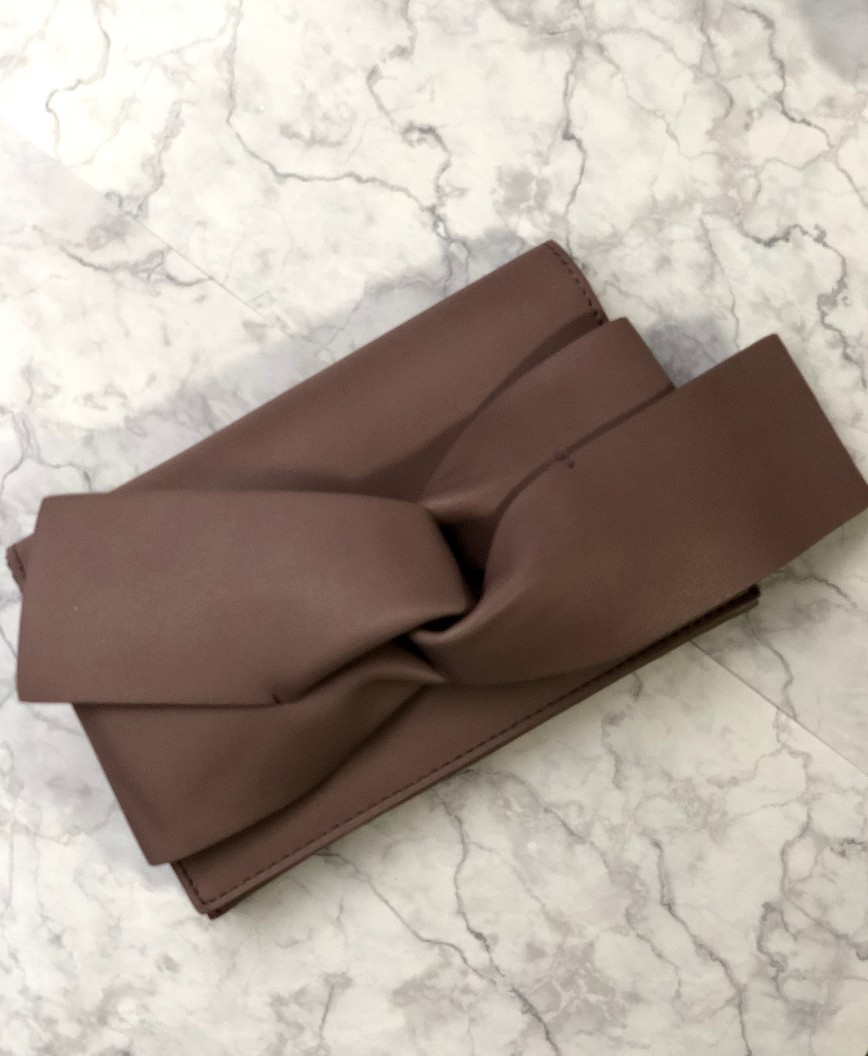 Ribbon knot Clutch bag - Pink Brown