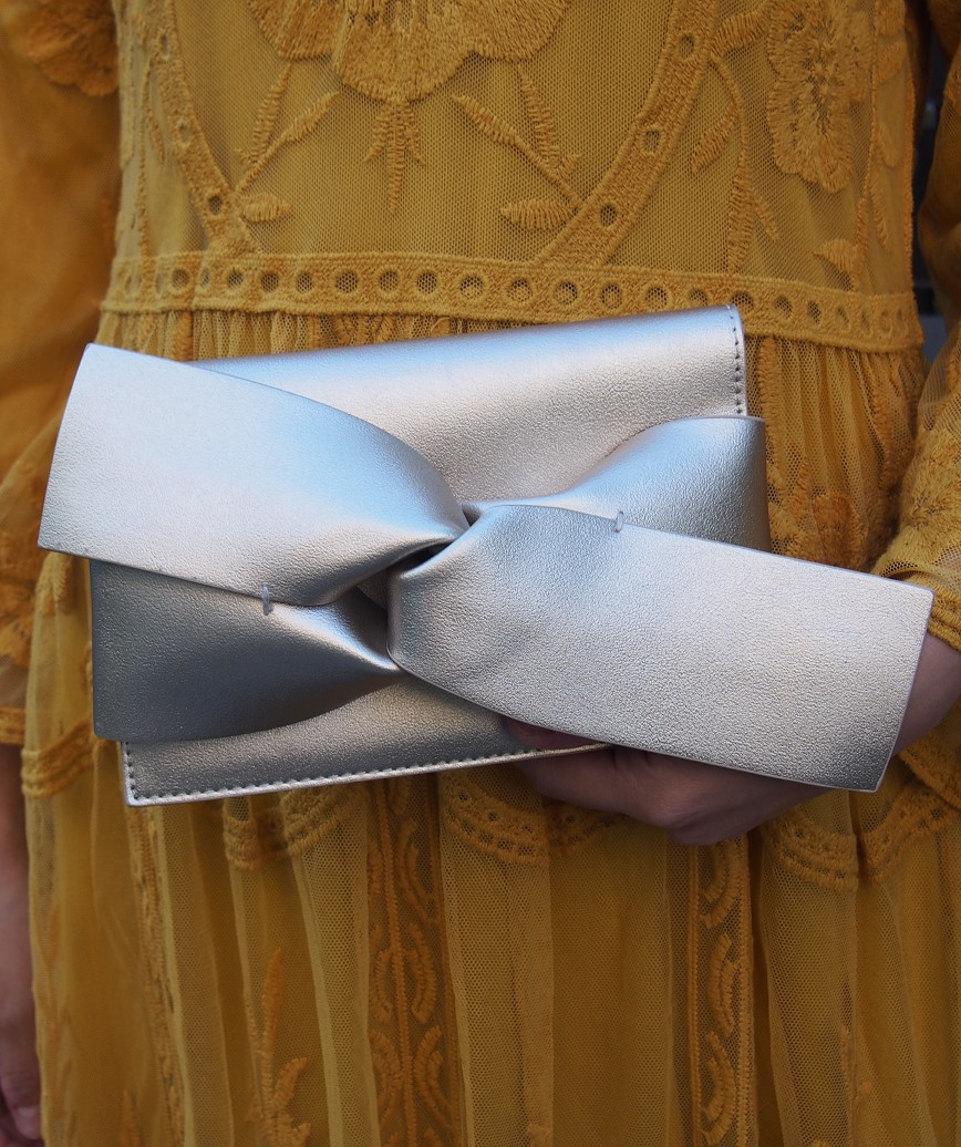 Ribbon knot Clutch bag - Gold