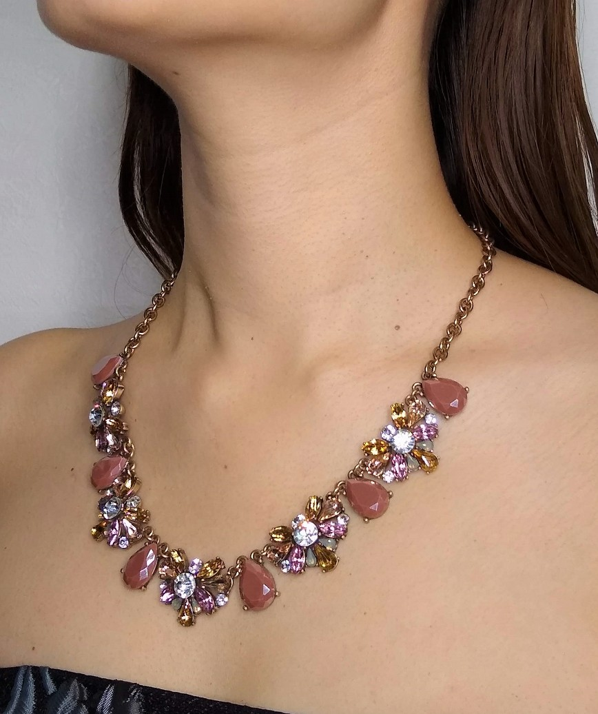 LAVENDER COLLER NECKLACE